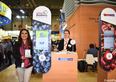 Julia Pinto Ruiz and Lina Marie Gasch of the Chilean Blueberry Committee.