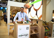 Carlos Roberto Ramirez of Exportagri, who are presenting their new product called IberTropic – freeze-dried fruits for food service and restaurants.