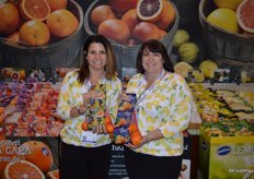 Julie DeWolf and Erin Semper of Sunkist show Ojai Pixie tangerines and Gold Nugget seedless mandarins that are both in season right now