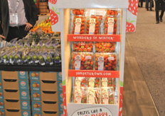 New Wow strawberries display with cooling technology!