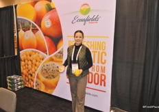 Gabriela Vallejo from Ecuafields promoting yellow passion fruit and dragon fruit