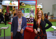 Tony Ponder, Chair of New Zealand Avocado, together with Jen Scoular. Avocadoes are the next New Zealand product on the list for market acces, with negotiations almost completed. Some hope access will be granted in February 2018.