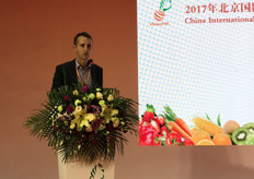 Phill Turnbull of Apples and Pears Australia talks about Pink Lady and branded varieties in the global apple category at the High-Tech Innovation Forum organised on the first day.