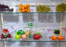 Retail packaging for fresh produce by Shenzhen Lvyuan Packaging Technology.