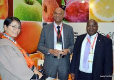 Lucien Jansen, CEO at the South African Perishable Products Export Control Board (PPECB), together with Mashudu Silimela, Counsellor of Agriculture, Forestry and Fisheries at the South African Embassy in Beijing. They are welcoming a visitor.