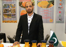 Muhammad Sheikh, Manager Sales, Iftekhar Ahmed (Pakistan); IAC offers proccessed mangoes as well.