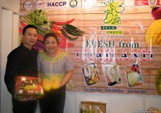 Nattapon Suewatanakul with wife Apple at Siam Fresh (Thailand) stand; mangoesteen and mango inquiries were non-stop at their stand.