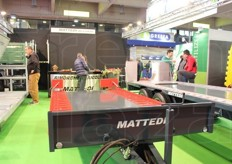 Material and equipment for the harvesting and handling of fruit at the Mattedi snc stand.