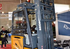 It presented a lift truck prototype on which it has been working on the past 3 years. The model has a completely renewed electronic system that uses the CAN BUS technology.