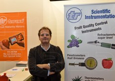 Enrico Turoni from TR Turoni, well-known for its scientific and technical equipment to measure the main fruit parameters.