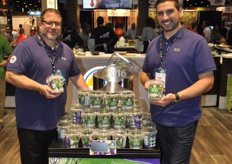 "Scott Kress and Giuseppe Rubino from Sunset promote the Dill It Yourself™ Pickle Kit. A packaging that contains all ingredients to ""Dill It Yourself"""