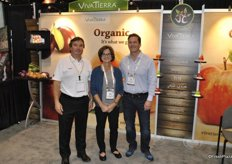Luis Acuña, Deidre Smyreas and Tryg McIneroy from VivaTierra Organic. From January the company will start importing lemons from Italy. They also launched a new website.