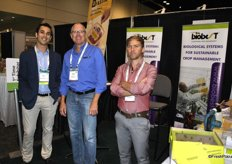 Grower Ronnie Miller visits the Biobest team: Harman Gilbert and Fonny Theunis
