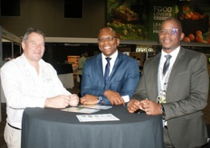 Kevin Black of Haygrove Tunnels, Ayanda Kanana, CEO of the Johannesburg Fresh Produce Market, and Sipho Mhlambi, also from the Jhb market.