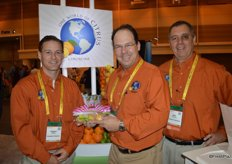 Stephen Sheldon, John Carter and John Caragliano with Limoneira, showing pink variegated lemons.