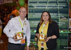 Representing Zespri North America are Glen Arrowsmith and Sarah Deaton.