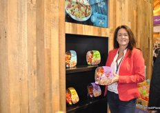 Nancy Pickersgill from Sunset Produce promotes the pasta kits with 4 different varieties
