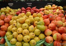 Organic pears for $3.99 per pound.
