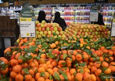 Origin of the produce is shown on the signs as well. These are satsuma's from California.