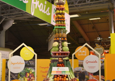 The fruit and vegetable Eiffel Tower from Interfel