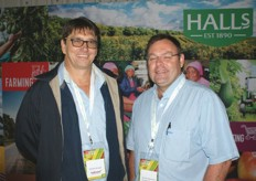 Wiedse Kruger, strategic business development manager at Hellmann with David Altenroxel of Novasun products.