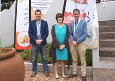 Barry Christie, operational manager: macadamias at Subtrop, Lizette de Wet, SAAGA administrator and organiser of the symposium, Derek Donkin, Subtrop CEO.