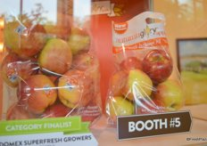 Pouch bag with Autumn Glory apples from Domex Superfresh Growers.
