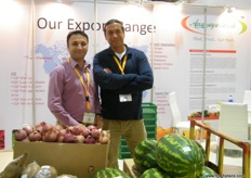 Yasir Khan of GSPC (India) with Donald Van De Werken of Anusaya Fresh (USA)