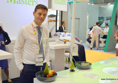 Fruit Master's Fabien Dumont is in Hong Kong to promote the company's Conference Pear. This year, the company has launched a large online campaign to reach young mothers, promoting healthy and safe products from the Netherlands.