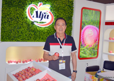 Alfa Fruit Packers with Steven Leung (Managing Director).