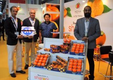 The team of Medina Inter Terra, promoting their specialism in Sharon fruit