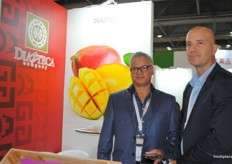 Enrique Diaz and Rod Diaz from Diezteca company, promoting their Mexican mangos