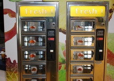 The Healthy Snack vending machine of Holland Fresh Group. Ger could have spent the day dropping coins.