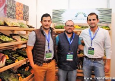 The team of Coop Magdalena from Guatemala. Productores, empacadores y exportadores de hortlizas. The company offers a wide assortment of vegetables, such as peas, beans, carrots, Brussels Sprouts and more.