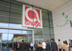 The Anuga entrance. Even before it opened, there were long queues of waiting visitors. On the trade floor itself there was a constant crowd.
