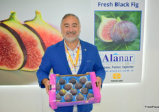 Emrah Ince from Alanar showing figs