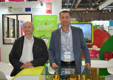 Daniel and Pascal Corbel from Cardell Export. The organic Juliet apple is doing well on the Asian market