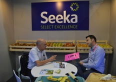 Cameron Carter (right) from Seeka Australia was kept busy promoting Seeka's Australian production including many delicious pear and kiwifruit varieties.