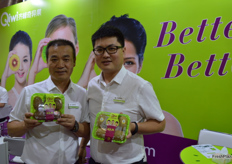 Qi Zhe, Sales Director of Qifeng Fruit and Nemo Lee, Chief Marketing Officer.
