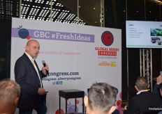 Fred Douven from abbGrowers, explaining the support provided to Serbian blueberry growers when entering the global market.