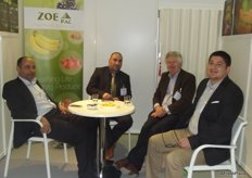 Roberto Alpízar Murillo (on the left) and Athanasios Mandis (on the right) from Zoepac with customers