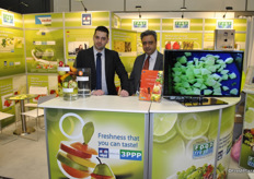 Benjaming and Sukhdev Sing from Food Freshly promoting eco-friendly shelf-life extenders and food safety solutions