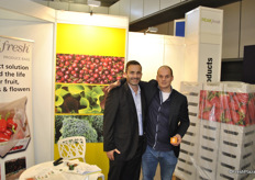 Scott Morton and Jan van der Mey from Peakfresh promoting the Peakfresh solutions for extending the shelf life.
