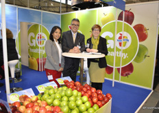 Maryann Aguirre, George Smith and Rebecca Lyons from Washington Apple Commission