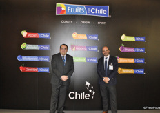 Christian Carvajal and Christophe Desplas Pizarro promoting the Fruits from Chile