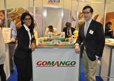 Lee and Eliot Cohen from GoMango promote their mangoes from Puerto Rico.