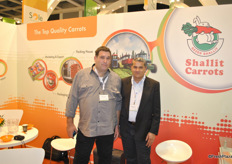 Noam Shallit and Mahmut Yonis from Gezer Shallit, promoting the Israeli carrots