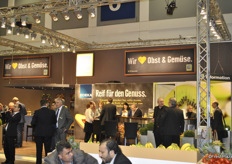 Overview of Edeka's stand.