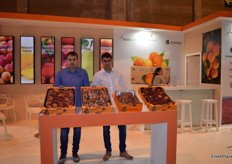 Managing and sales team with José Vercher at the stand of Bollo, a flagship melon, watermelon and citrus brand.
