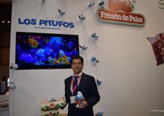 Jaime Zaforas, Marketing Manager of Fresón de Palos, presenting the next strawberry campaign, during which they will sponsor the newest Smurfs film.